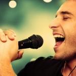 Развитие ларингита при перенапряжении голоса