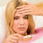 Повышение температуры - один из симптомов пневмонии