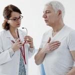 Осмотр у врача при посттравматической формы пневмонии