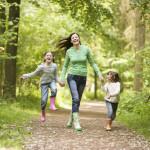 Прогулки на свежем воздухе для профилактики астмы