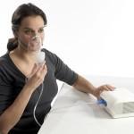 Лечение трахеита при помощи небулайзера