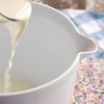 Теплое молоко при ларингите